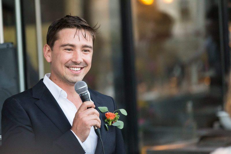 groom speech photographer