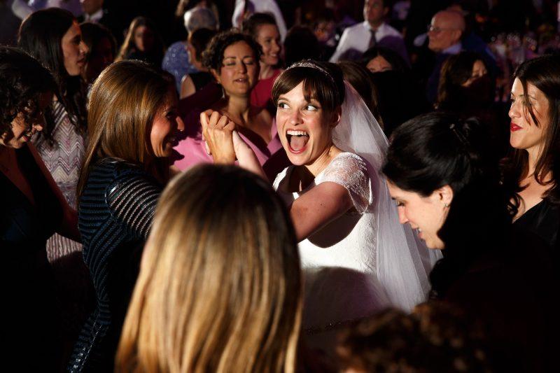 happy dancing bride jewish wedding