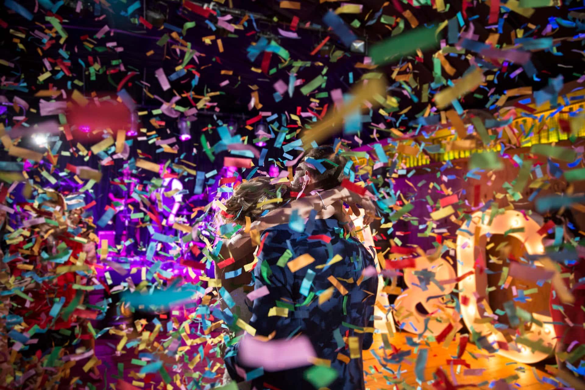 happy couple confetti bomb