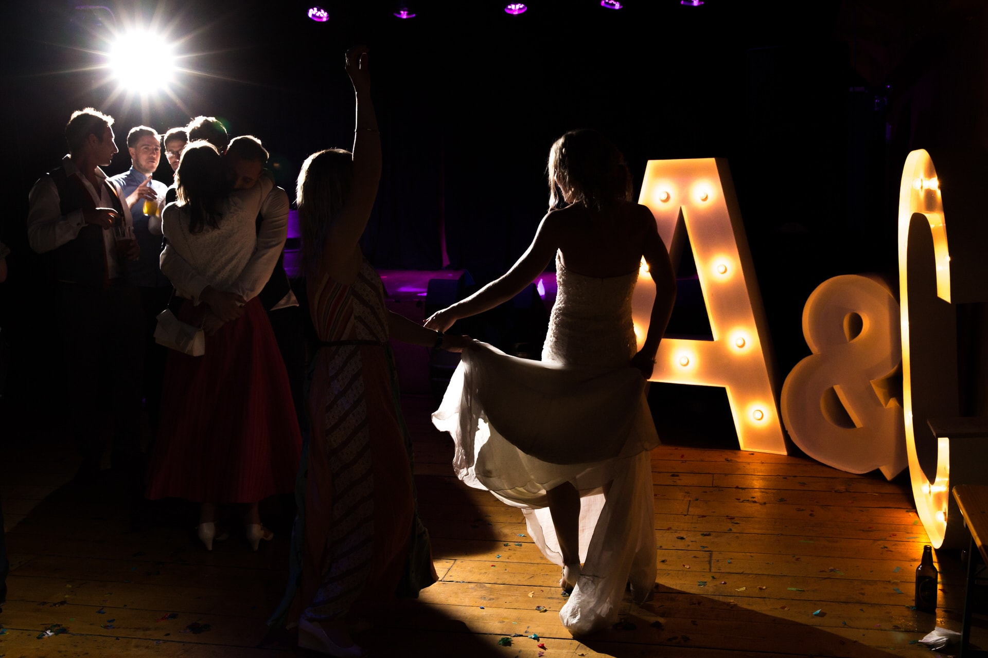 london bride dancing