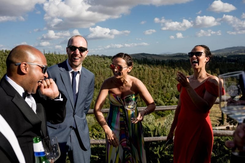 wedding laughs tuscany