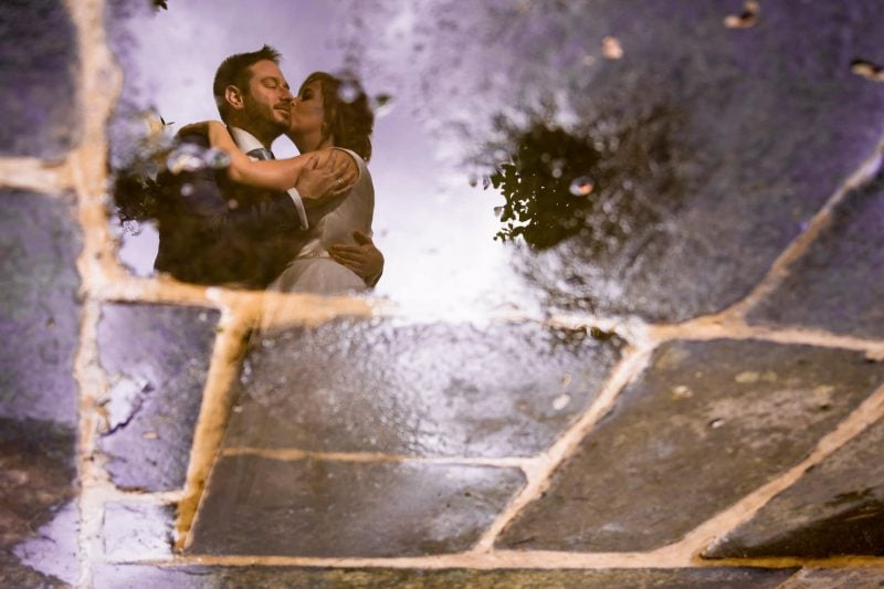 bride groom puddle reflection photographer