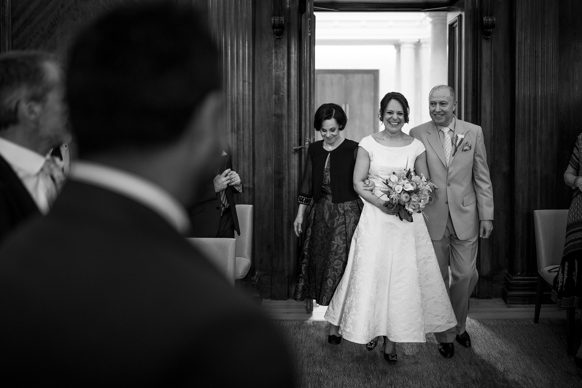 marylebone bride entrance photographer