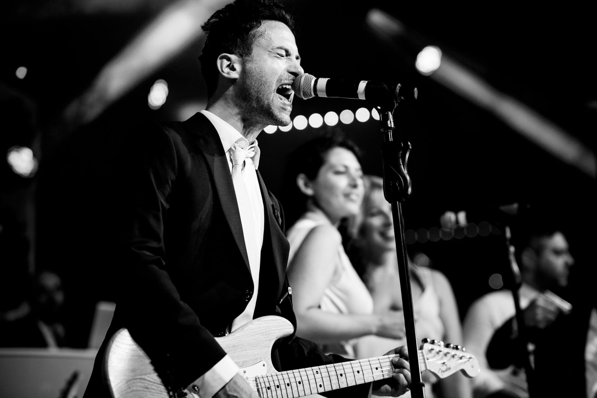 singing groom photographer