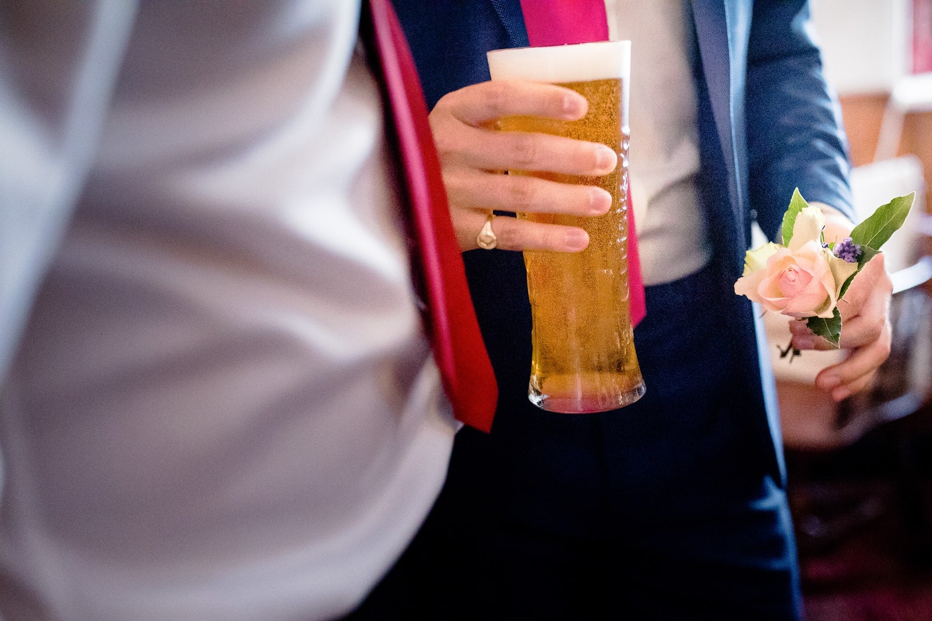 wedding groom beer and buttonhole