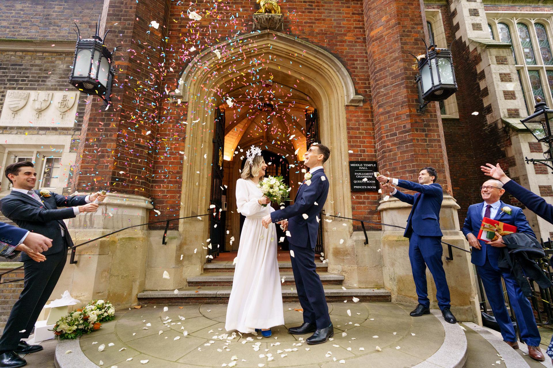 middle_temple_wedding_confetti