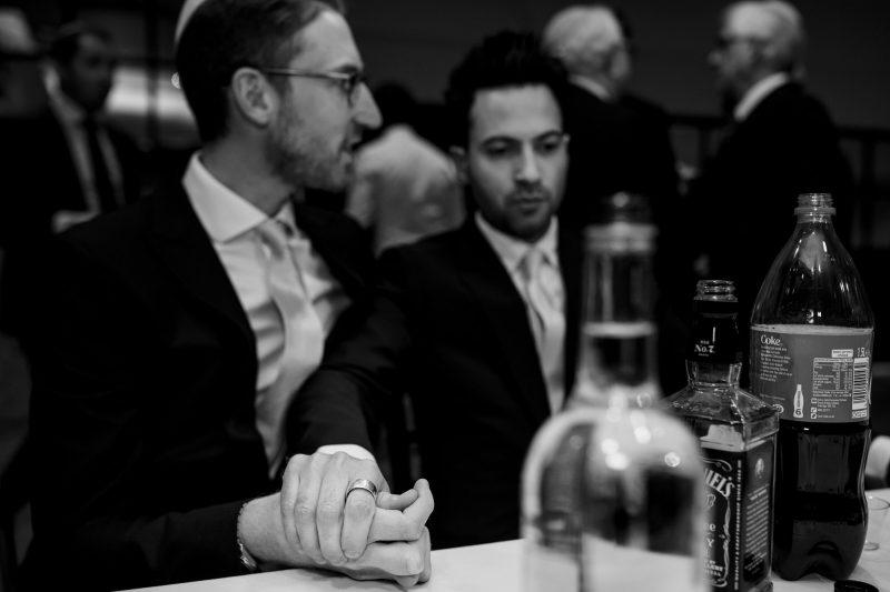 nervous-groom-at-tisch